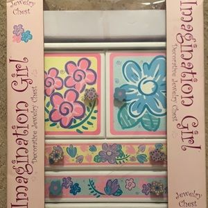 Imagination girl jewelry chest